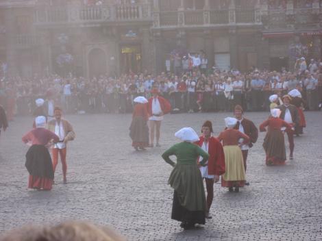 庶民の踊りー1