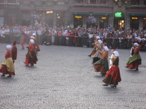 庶民の踊りー2