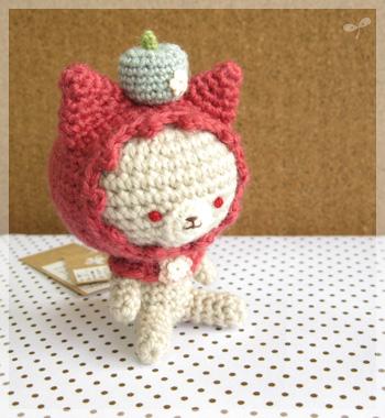 ピンクずきんのネコちゃん