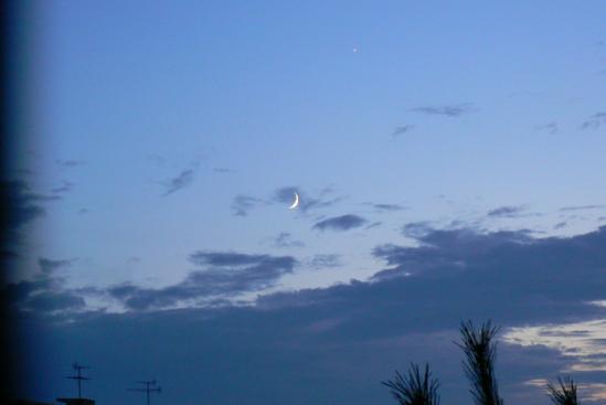 100813 午後7時頃の西の空