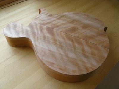 ギターボディ加工
