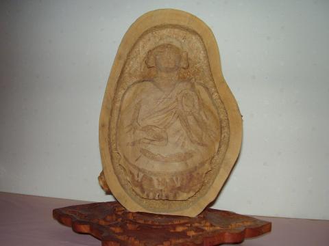 御神木手彫像