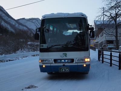 盛岡行きJRバス