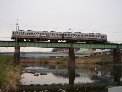 上電鉄橋下_20100331_P3310039