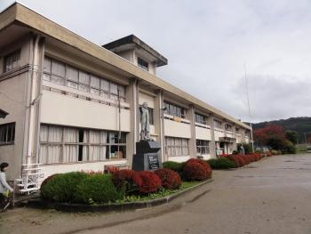 尾野本小学校校舎