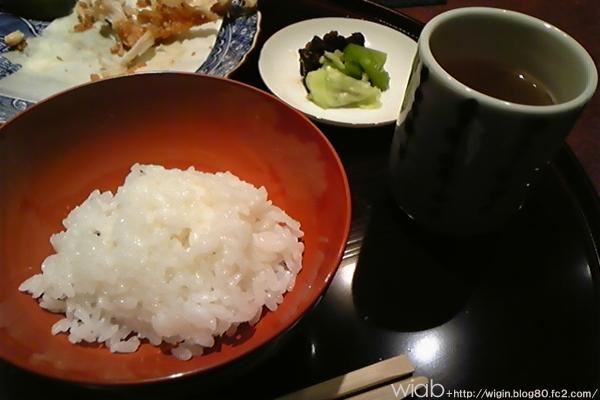 最後は白いご飯とお漬物で〆♪ 本当にお腹いっぱい頂いて大満足です。