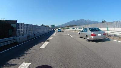 中央道から見た八ヶ岳