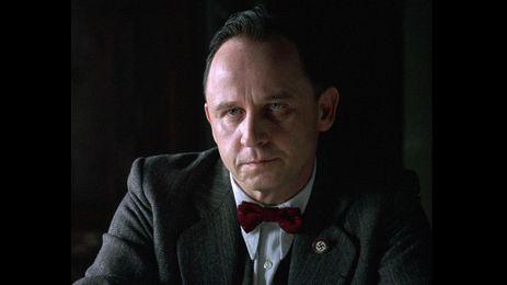 アレクサンダー・ヘルト - ロベルト・モーア刑事