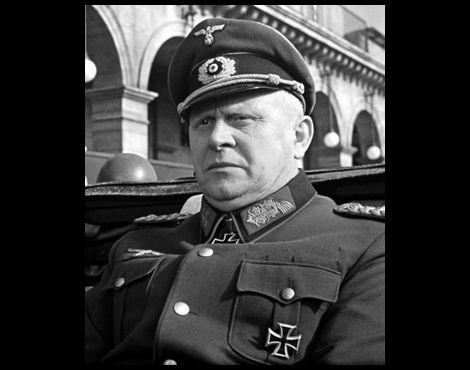 ゲルト・フレーベ_ディートリヒ・フォン・コルティッツ将軍