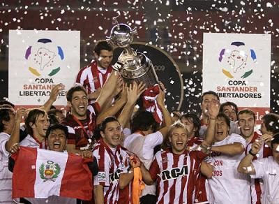 estudiantes-de-la-plata-se-consagro-campeon-de-la-copa-libertadores_400.jpg