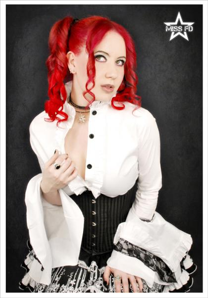 Miss-FD-Gothic-Lolita-4-web_convert_20100803183829.jpg