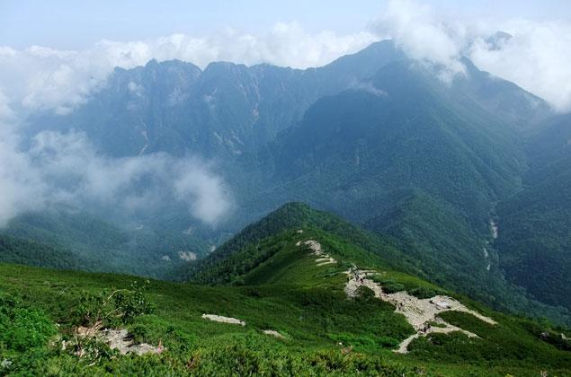 鋸岳と甲斐駒ケ岳