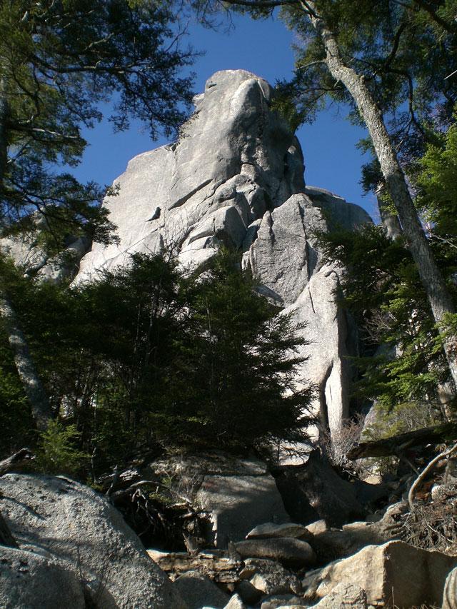 大やすり岩2
