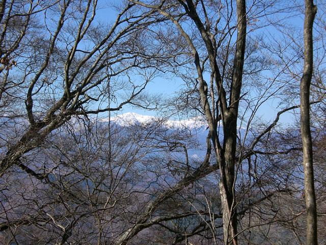 垣間見える白峰三山