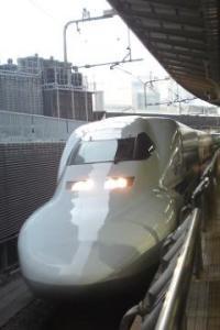 東京駅新幹線20100404162146_convert_20100408000333