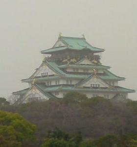 石垣より大阪城