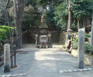 敦盛卿の墓20100411155411