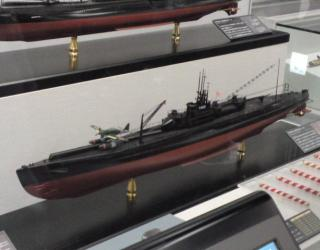 イ400潜水艦