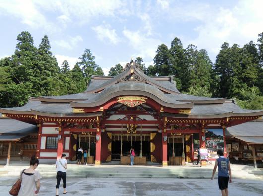 盛岡八幡宮社殿