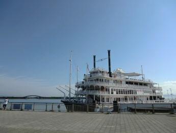 大津港外輪船