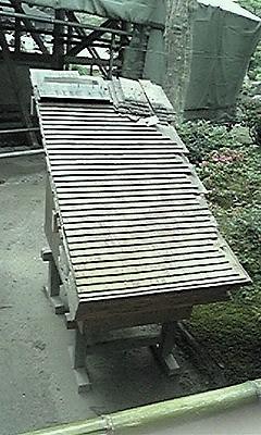 銀閣寺の屋根090528_1245~01