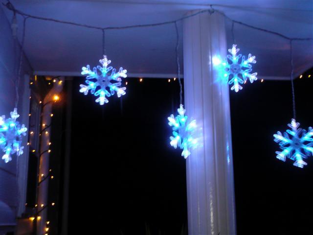 こちらはフワ~ンと点滅、雪の結晶。