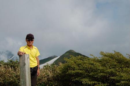 42梅花皮岳山頂