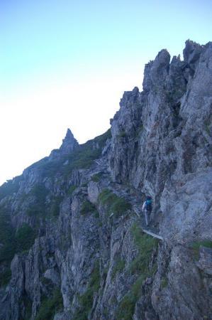 62スバリ岳へ