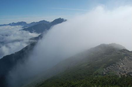 75赤沢岳山頂から