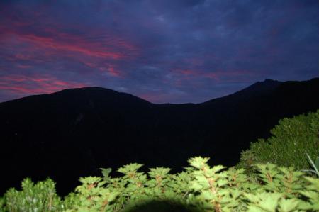 2登山道から見る鳥海山3