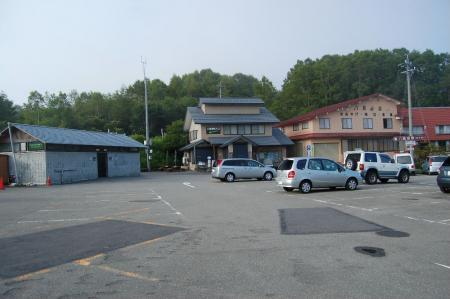 八島山荘駐車場1-2