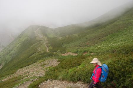 85雪倉岳からの降り
