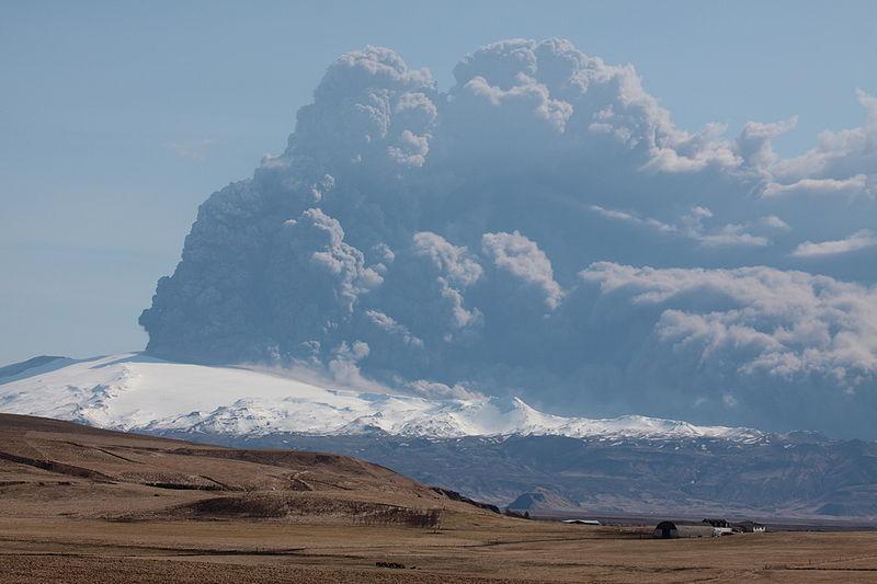 2010年のエイヤフィヤトラヨークトルの噴火