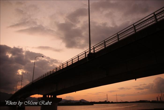 西条市の風景 新中山川橋付近の夕焼け・夕景色 愛媛県西条市禎瑞 2009年10月10日
