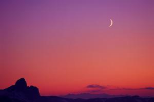 crescent_moon.jpg