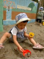 お砂遊び楽しいな。