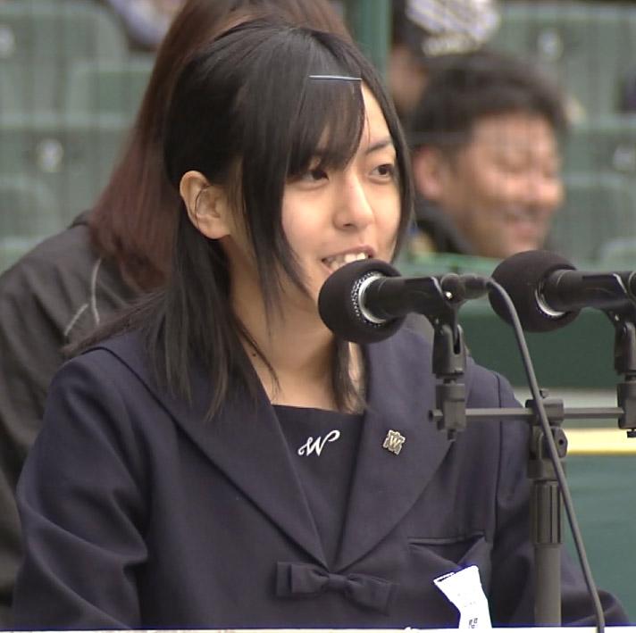 セーラー服 女子高生 甲子園 開会式 高校野球 選抜 センバツ