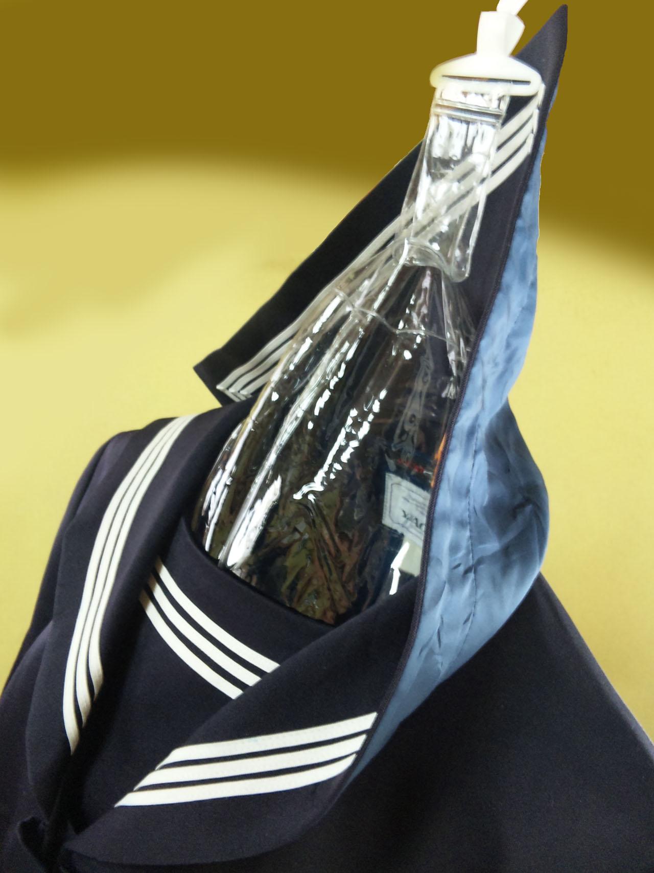 滋賀中学セーラー服襟裏捲れ