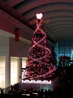 クイーンズスクエア横浜・シンギングツリー点灯式