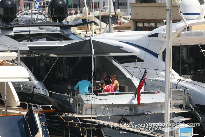 Kimi Raikkonens boat, Iceman