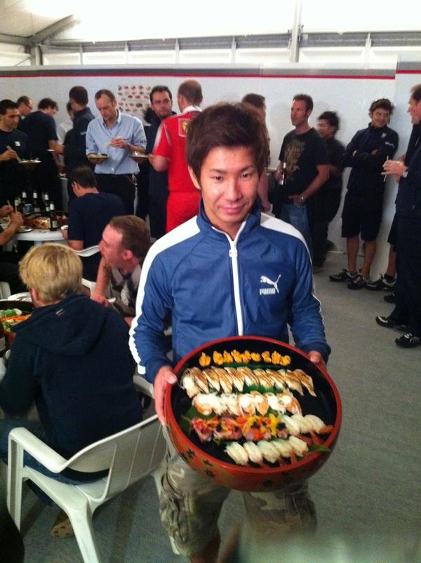 可夢偉の振る舞い寿司