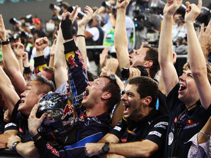 Red-Bull-celebrations_2529617_20101213015331.jpg
