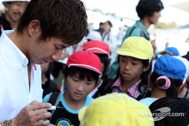 f1-2010-jap-xp-0041.jpg