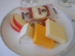グルメチーズと付け合わせ