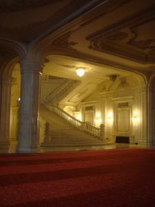 国民の館の豪華な階段