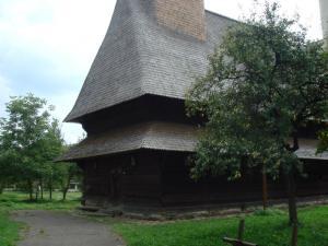 Bogdan Vodaの教会下半分