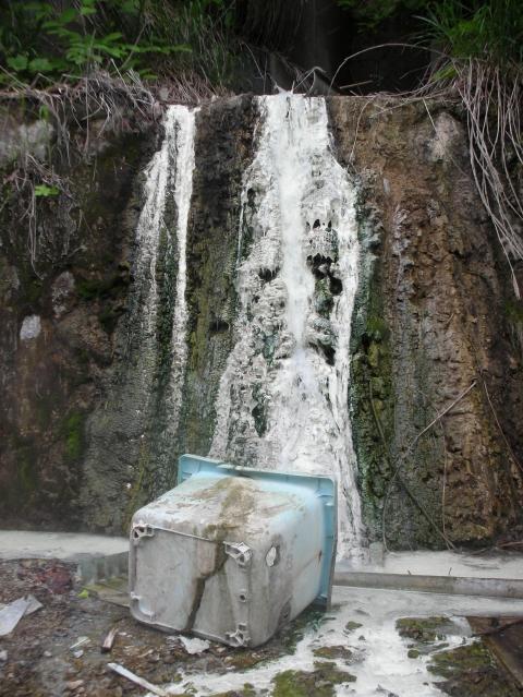 2010年6月磯谷温泉跡8