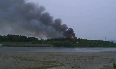 2009年 5月5日 阿賀野川、火事4