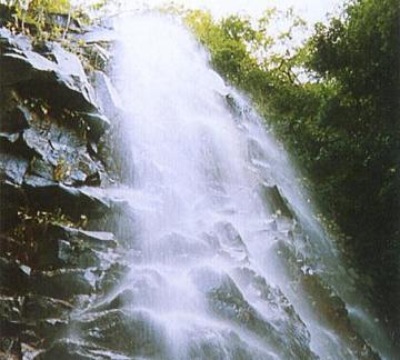河内町の姫ヶ滝