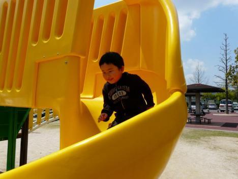 胡麻近隣公園 遊具施設 すべり台 その1